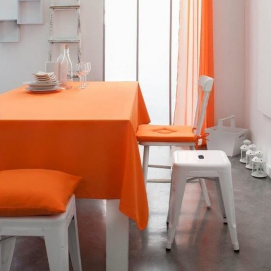 nappe unie orange mandarine 2m x 1m40 anti tache et sans repassage. Black Bedroom Furniture Sets. Home Design Ideas
